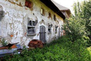 Abandoned Old Farmhouse Decay  - WFranz / Pixabay
