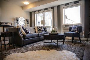 Living Room Luxury House Interior  - DokaRyan / Pixabay