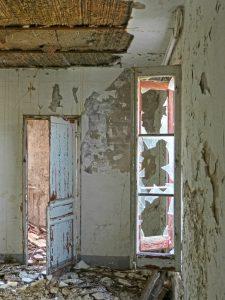 Room Abandoned Broken House Window  - makamuki0 / Pixabay